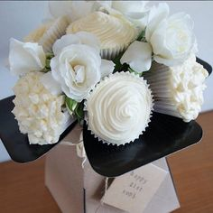 Carrot cake cupcake flower bouquet!  Instagram: @livglazebrook/@kitchenoftreats  #carrot #cake #cupcakes #cupcakebouquet #baking