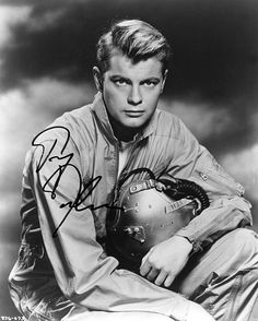 Troy Donahue in the Movie Those Fantastic Flying Fools Photo Hooray For Hollywood, Golden Age Of Hollywood, Hollywood Stars, Old Hollywood, Old Movie Stars, Classic Movie Stars, Hollywood Photo, Classic Hollywood, Robert Redford Young