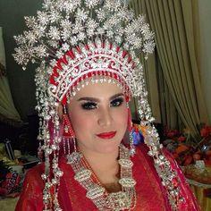 Pengantin adat melayu... Makeup,sunting by:me❤️ #mymakeup #makeup #makeupartist #budithama #budithamamakeup #wedding #weddingmakeup #adat #melayu #sunting #beauty #instagram