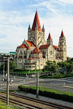 Beautiful Castles, Beautiful Buildings, Beautiful Places, Aachen Cathedral, Cathedral Church, Church Architecture, Beautiful Architecture, Palatine Chapel, Places Around The World