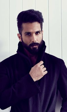 Free latest HD wallpapers for Desktop PC, iPad, iPhone, Android phone Mens Hairstyles With Beard, Cool Hairstyles For Men, Indian Hairstyles, Haircuts For Men, Bollywood Actors, Bollywood Celebrities, Bollywood Fashion, Famous Celebrities, Celebs