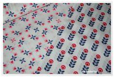 Stoffe gemustert - Daisy weiss/blau/rot, NEU, Stretchjersey - ein Designerstück von dieZauberfee bei DaWanda