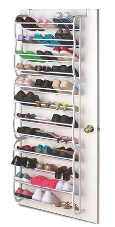 Med detta skoställ får du undan 36 par skor samtidigt som du alltid har de lättillgängliga! Skostället har måtten 180 x 19 x 57 cm och hängs enkelt upp bakom en dörr.