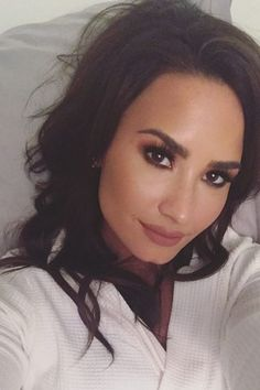 nice Demi Lovato Dyed Her Blonde Hair Brown Demi Lovato Body, Justin Bieber Facts, Demi Lovato Pictures, Dianna Agron, Celebrity Moms, Grunge Hair, Teen Vogue, Christina Aguilera, Role Models