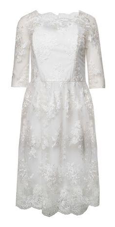 Suknia ślubna. Krótka suknia ślubna. Sukienka dla panny młodej. Sukienka na poprawiny. Sukienka na ślub cywilny.  Sukienka Chichi London.   #chichilondon #sukienkanawesele #sukienka #sukienkanapoprawiny #sukienkakoronkowa #białasukienka #shortweddingdress #white #whitedress