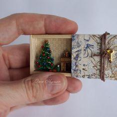 2018.11 Miniature Christmas Roombox Dollhouse By Olga Mutina Matchbox Crafts, Matchbox Art, Homemade Christmas, Christmas Crafts, Christmas Ornaments, Sand Crafts, Cute Crafts, Craft Gifts, Xmas Gifts