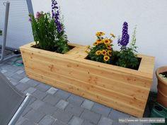 Ein Hochbeet selbst bauen - Pflanzkübel aus Holz für die Terrasse › Wir bauen dann mal ein Haus Brutalist, Outdoor Furniture, Outdoor Decor, Wedding Flowers, Plants, Home Decor, Gardening, Live, Patio