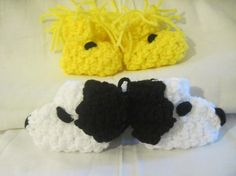 ASDFGHJKLLY CUTE & AWESOME Snoopy & Woodstock baby booties <3   purchase em at www.etsy.com/listing/66361679/a-dog-and-his-best-friend-snoopy-and