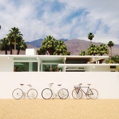 Palm Springs living- from the Instagram of Sarah Yates / A House in the Hills