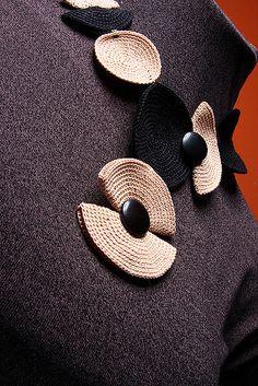 fulanas 92 | collar combinado negro y crema | Fernanda Errecaborde | Flickr