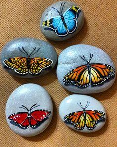 "66 Likes, 2 Comments - Murat Büyüklü (@tasarimatolyesi_mb) on Instagram: ""#kelebek #butterfly #rock #rocks #rockart #stonepainting #stones #painting #paintingart #handmade"""