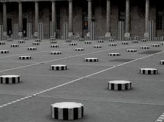 Daniel Buren / Les Deux Plateaux
