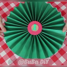 Como fazer Rosetas de papel Simple, quick and easy, step by step how to make rosettes from cardboard paper or color set, for decorating parties, celebrations and Christmas 🎄See more decoration tutorials on the Buba Diy channel Eid Crafts, Ramadan Crafts, Crafts For Kids, Paper Flowers Craft, Paper Crafts Origami, Diy Party Dekoration, Diy Birthday Decorations, Crepe Paper Decorations, Diy Crafts Hacks