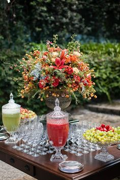 Daniela Picoral Fotografia #water #infusion_recipes #drinks Party Food Buffet, Dessert Buffet, Drink Display, Summer Wedding, Diy Wedding, Wedding Bride, Welcome Drink, Reception Food, Wedding Decorations