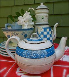 Vintage Enamel Tea Pot - Blue and White Enamelware - Flea Market and Cottage…