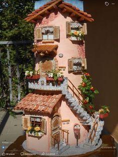icu ~ Balcón y ventana preciosa - Clay Fairy House, Gnome House, Fairy Garden Houses, Tile Crafts, Concrete Crafts, Clay Houses, Ceramic Houses, Miniature Fairy Gardens, Miniature Houses
