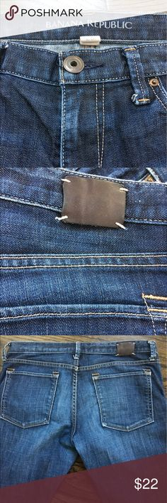 """Banana Republic Men Jeans Straight Size 29 Banana Republic Straight Dark 29  RN-54023   Size-29 Waist-29"""" Rise-8"""" Inseam-32"""" Made in China Very Comfortable, Stylish Detail-5 Pockets,Belt Loops,Zipper Fly  Condition: Excellent Used Condition  Great Name Brand At A Great Price! Banana Republic Jeans Straight"""