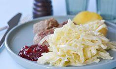 Kålstuing med ingefær og hvitløk l EXTRA - Creme Fraiche, Cabbage, Grains, Food And Drink, Snacks, Vegetables, Recipes, Dinner Ideas, Rezepte