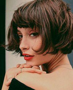 Taylor Lashae - Amélie Style Haircut w Short Bangs -