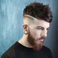 braidbarbers_and mens haircut skin fade textured choppy crop with fringe swept to the side