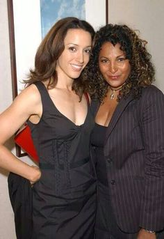 Jennifer Beals and Pam Grier Black Actresses, Black Actors, Actors & Actresses, Beautiful Gorgeous, Beautiful Black Women, Beautiful People, Golden Age Of Hollywood, Classic Hollywood, Foxy Brown Pam Grier