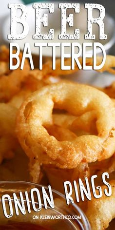The very BEST Beer Battered Onion Rings that are so easy to make! Crunchy, flavorful & perfect in your favorite dipping sauce. Beer Battered Chicken, Beer Battered Onion Rings, Beer Recipes, Coffee Recipes, Cooking Recipes, Homemade Beer, Homemade Onion Rings, Onion Rings Recipe, Cooking With Beer