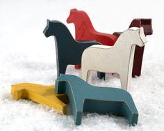 Wooden Farm Horse Toys (Set of Natural Wood Farm-theme figurines to decorate, or to use for fun & Games with Kids Play. Via Nuwzz Wooden Horse, Wooden Animals, Woodworking Toys, Woodworking Projects, Woodworking Chisels, Scandinavian Toys, Making Wooden Toys, Farm Theme, Wood Toys