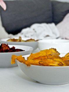 itse tehdyt sipsit resepti Serving Bowls, Good Food, Food And Drink, Tableware, Kitchen, Lovers, Cucina, Dinnerware, Cooking
