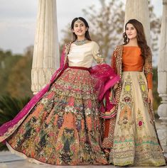 Pakistani Mehndi Dress, Simple Pakistani Dresses, Pakistani Fashion Party Wear, Pakistani Wedding Outfits, Pakistani Dress Design, Pakistani Wedding Dresses, Lehenga Wedding, Latest Bridal Dresses, Wedding Dresses For Girls