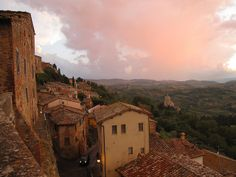 Montepulciano #Tuscany: view on Val D'Orcia from Piazza San Francesco (thanks to one of our Guests who sent us that wonderful pictures)