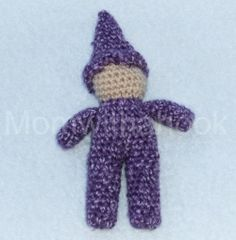 Learn how to crochet this cute waldorf inspired gnome.    Before I learned how to knit I was really wanting the Waldorf gnome pattern in crochet-...