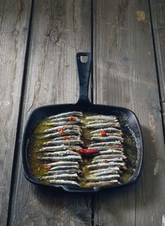 Anchovy oregano - food of Kavala, northern Greece - cuisine from the Historical Greek region of Macedonia of ancient and modern Greece Seafood Dishes, Fish And Seafood, Appetizer Recipes, Appetizers, Macedonia Greece, Macedonian Food, Greek Cooking, Food Tags, Greek Recipes