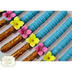 Chocolate dipped pretzels with hand-made sugar flowers for Valentina's Moana themed birthday celebration! Moana Theme Birthday, Luau Theme Party, Aloha Party, Hawaiian Luau Party, Hawaiian Birthday, 3rd Birthday Parties, Birthday Party Decorations, Cake Birthday, Birthday Celebration