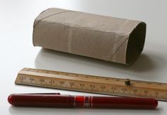 DIY : Maisonnette en carton | La cabane à idées Diy, Toilet Paper, Cabin, Toilets, Bricolage, Do It Yourself, Homemade, Diys, Crafting