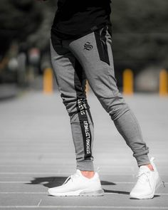 57 Ideas For Training Pants Outfit Sports Luxury Mens Clothing, Men's Clothing, Mens Jogger Pants, Jogger Sweatpants, Running Pants, Sport Man, Pants Outfit, Men's Pants, Fashion Clothes