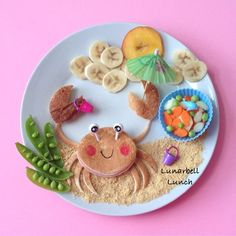 What's on the menu? - Ham and cheese sandwich (crab) - Crushed graham crackers (sand) - Nectarine (sun) - Bananas (clouds) - Carrots and cucumbers (fishies) - Snap peas
