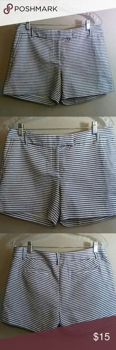 "Saint Tropez West shorts Front and back pockets in seam 4 1/2 "" 83 % polyester. 37 cotton Saint Tropez West Shorts Skorts"