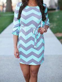 Kleid Rundhals mit Zickzack Druck-grau und grün