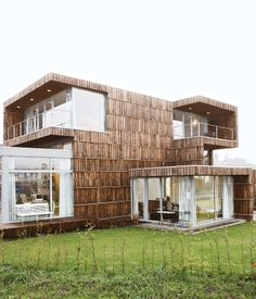 Villa Welpeloo in Enschede, the Netherlands, doesn't look like a recycled building. Its austere lines and spacious interior have nothing ...