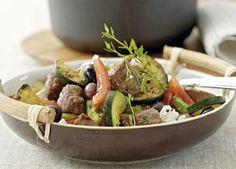 En lækker græsk-inspireret ret med lam, timian, feta og oliven.