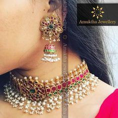Tantalizing Fashion jewelry sets,Dainty jewelry packaging and Jewelry accessories for saree. Kids Gold Jewellery, Gold Jewellery Design, India Jewelry, Dainty Jewelry, Jewellery Display, Luxury Jewelry, Diamond Jewelry, Wedding Jewelry, Silver Jewelry