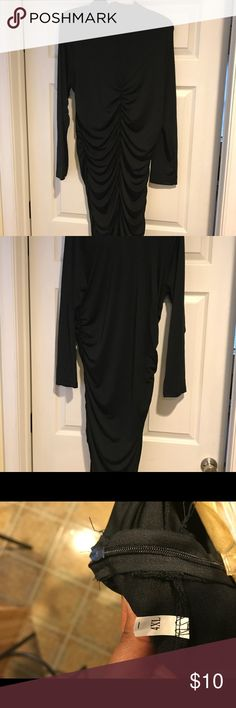 Black Body Con Ruched dress (Shein.com) Black body con dress with ruching along the rear. Brand new never worn. Nothing wrong with it. Just not flattering on my body type. This is an Asian based company so the sizes vary. But I'm a size 16. Shein Dresses Long Sleeve