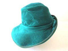French VTG Torquoise velvet 70s HAT / Capeline par laminuinette, $65.00