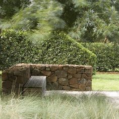Great use contrast between soft grasses and clipped hedges by Peter Fudge Garden Design, Sydney. Buy ornamental grasses online http://www.bluedaleplantsonline.com.au/shop/Ornamental-Grasses/