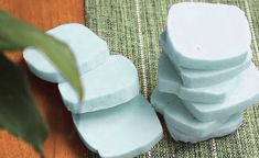 mês Pastel, Food, Homemade Laundry Softener, Lemon Soap, Household Cleaning Tips, Soaps, Plants, Pie, Essen