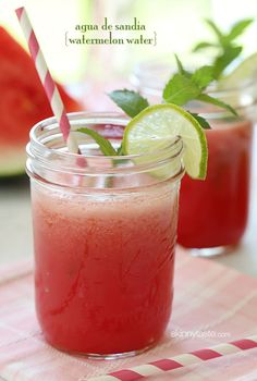 Agua De Sandia (Watermelon Water) – no sugar added, healthy and delicious! Aguas Frescas, Fruta Fresca, Skinny Taste, Healthy Snacks, Healthy Drinks, Healthy Recipes, Delicious Recipes, Healthy Water, Tasty