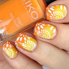 Gradient nails with floral stamping