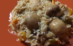 Ρύζι με κοτόπουλο, μανιτάρια και πιπεριές Good Food, Yummy Food, Baked Potato, Potatoes, Rice, Meals, Baking, Ethnic Recipes, Foodies