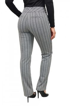 Trousers Women, Pants For Women, Best Cocktail Dresses, Types Of Clothing Styles, Fashion Pants, Fashion Outfits, African Fashion Skirts, Corporate Outfits, Curvy Girl Outfits