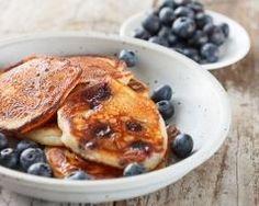 Pancakes aux myrtilles et au sucre brun (facile, rapide) - Une recette CuisineAZ